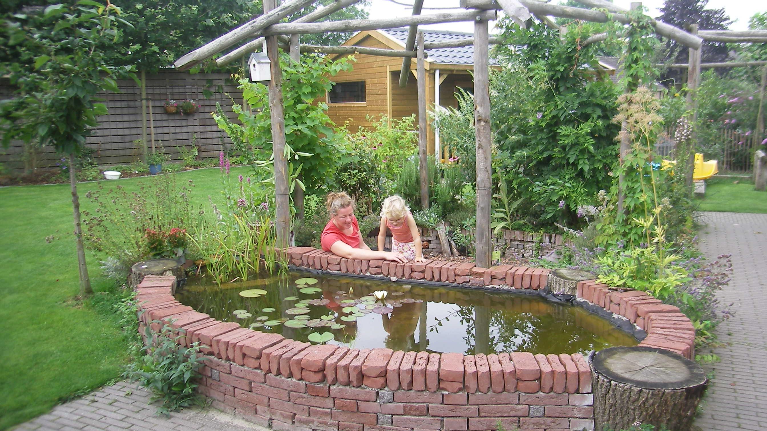 Spelen met water tuinontwikkeling - Prieel frame van ...